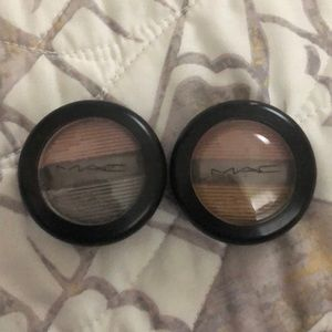 Mac single shadow selling both for 1 price